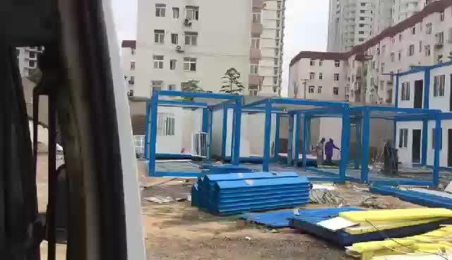 厢房组装中