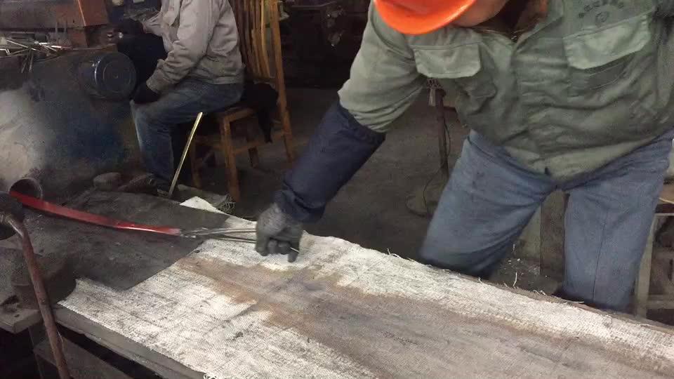 铜材挤压过程